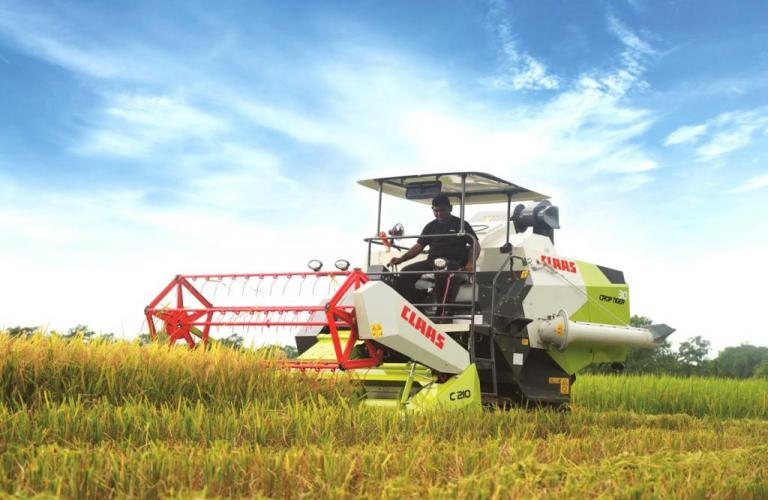 CLAAS India launches next gen CROP TIGER TERRA TRAC combine harvester