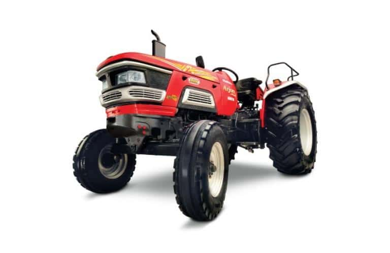 How has been the tractor sales of Mahindra & Mahindra in Oct 2020?