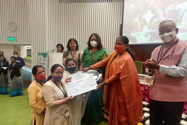 MoRD confers women SHGs and VOs with NRLM National Awards